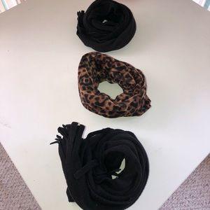 Accessories - Bundle of 3 Scarves 🧣